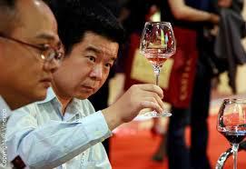 cinesi bevono